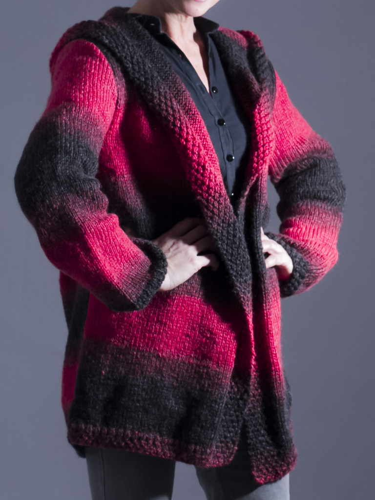 Resultado final abrigo con capucha de lana